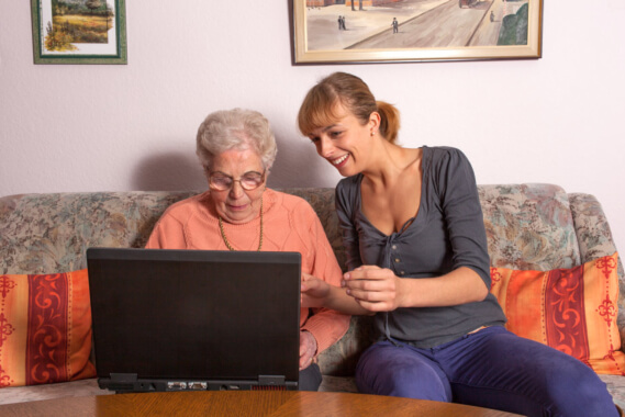 staying-safe-online-how-your-elderly-can-avoid-internet-scams